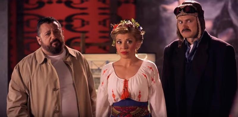Mara Guil y Salva Reina en una escena de El Intercambio.