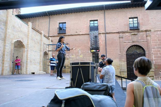 Ensayo de las Crónicas Najerenses con Mabel del Pozo. Imagen: Félix Domínguez.